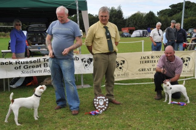 27. Best Puppy (left) and Reserve